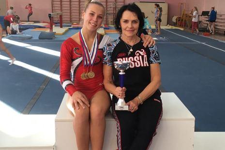 Гимнастка СШОР №1 завоевала 4 золотые медали
